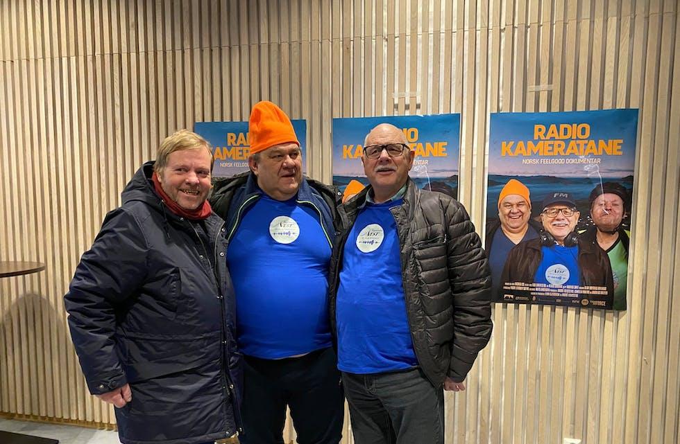 Øystein Bakke, Olav Kvalsvik og redaktør Paul Sundnes frå Bygderadio Vest.