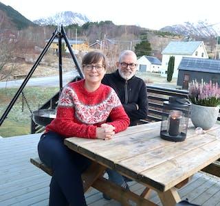 På Rovde har Ingrid og Dag Knardal flytta inn i Dag sin barndomsheim. Her har dei funne ei heilt anna ro enn dei hadde i Bergen.