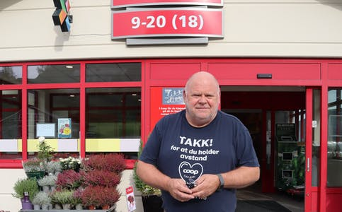 Butikksjef for Coop Syvde, Bjørn Knardal, inviterer til miljødugnad.