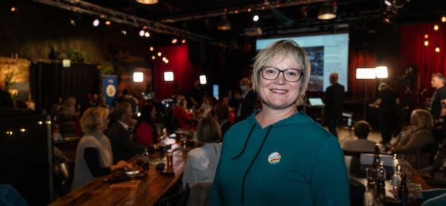 Lena Landsverk Sande (V) på valsendinga til Sunnmørsposten/NRK måndag kveld før valresultatet var klart.