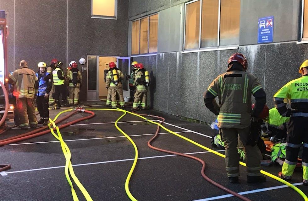Vanylven brann og redning har øving på Sibelco.